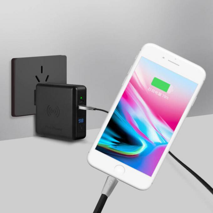 Dual Ports 8000mAh Fast Charge Wireless Charger Power Bank 0